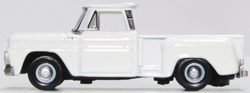 Chevrolet C10 Stepside Pickup 1965, White, 1:87 Scale Model By Oxford Diecast Left Side View