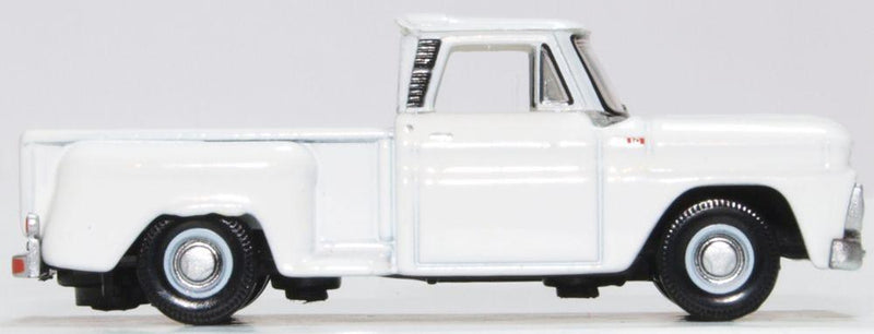 Chevrolet C10 Stepside Pickup 1965, White, 1:87 Scale Model By Oxford Diecast Right Side View