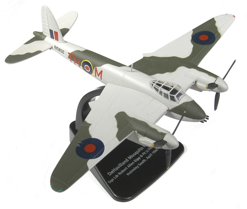 de Havilland Mosquito FB Mk.VI RCAF 1944,1:72 Scale Model By Oxford Diecast
