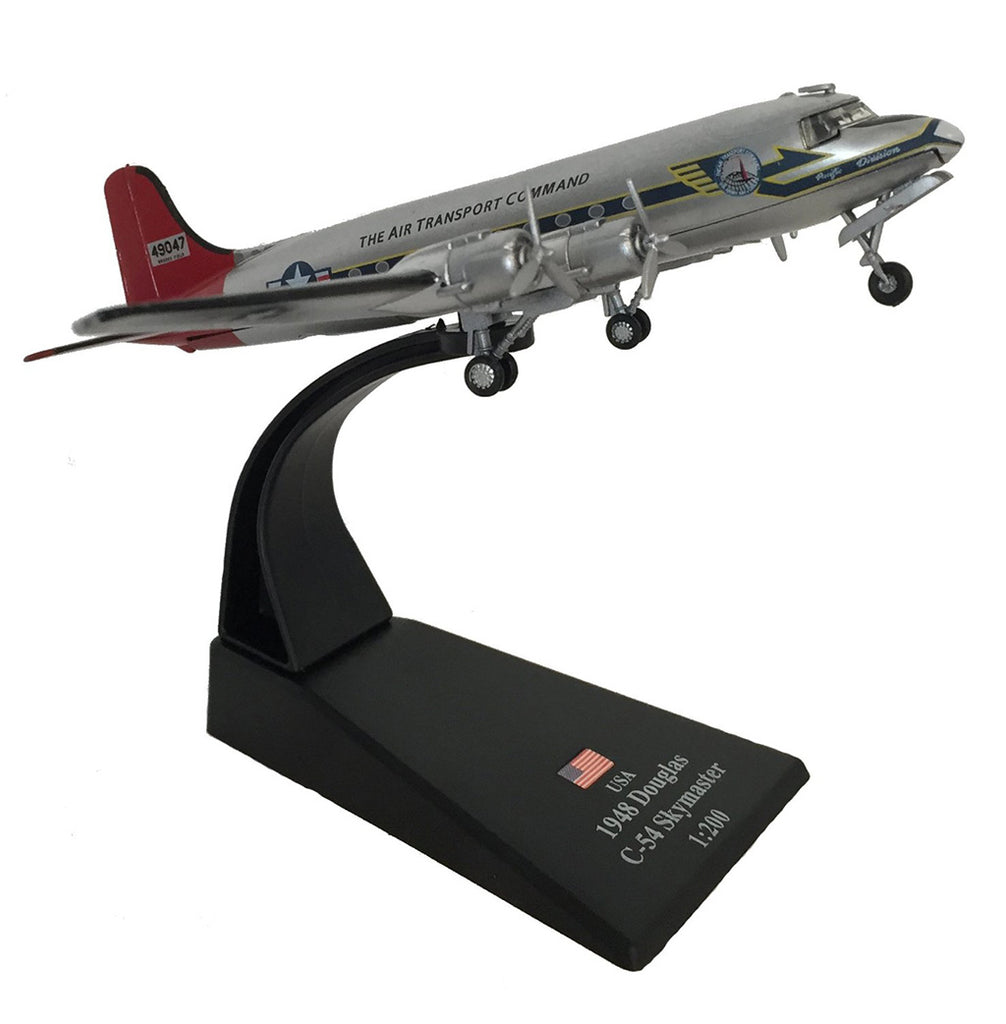 "Douglas C-54 Skymaster ""Candy Bomber"" Berlin Airlift 1948 1:200 Scale Model By Amercom Right Front View"
