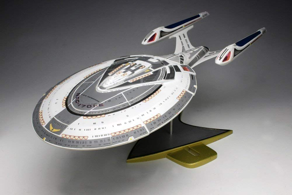 AMT Star Trek USS Enterprise NCC-1701-E 1/1400 Scale Front View