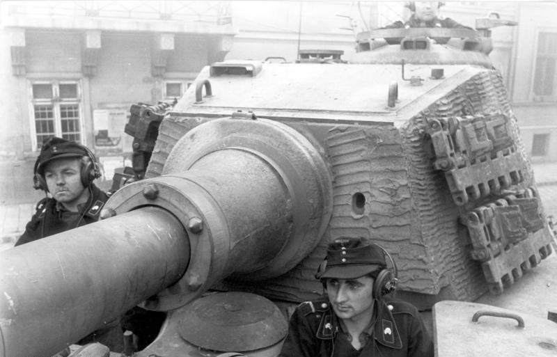 Tiger II turret close up With Zimmerit coating, Budapest 15 October 1944