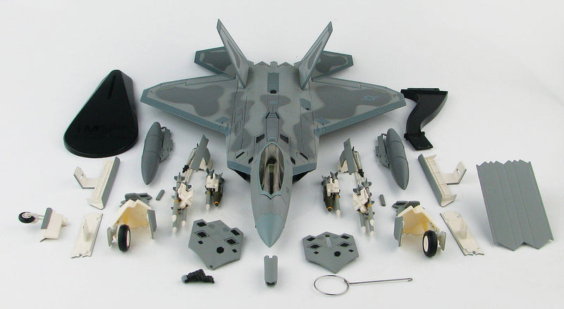 "Lockheed Martin F-22A Raptor, 43rd Fighter Squadron ""Hornets"" 2008, 1:72 Scale Diecast Model By Hobby Master Box Contents"