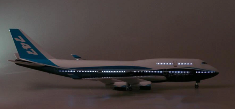 Boeing 747-400  1:150 Scale Model With LED Light By Hyinuo LED Lighting
