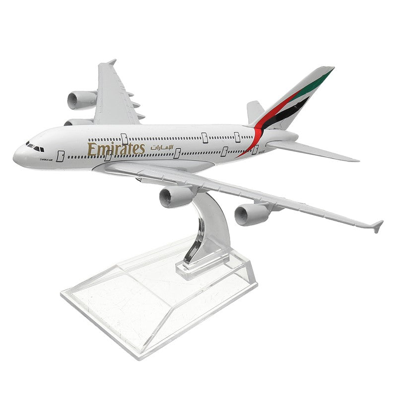 Airbus A380 Emirates 1:400 Scale Model By Hyinuo