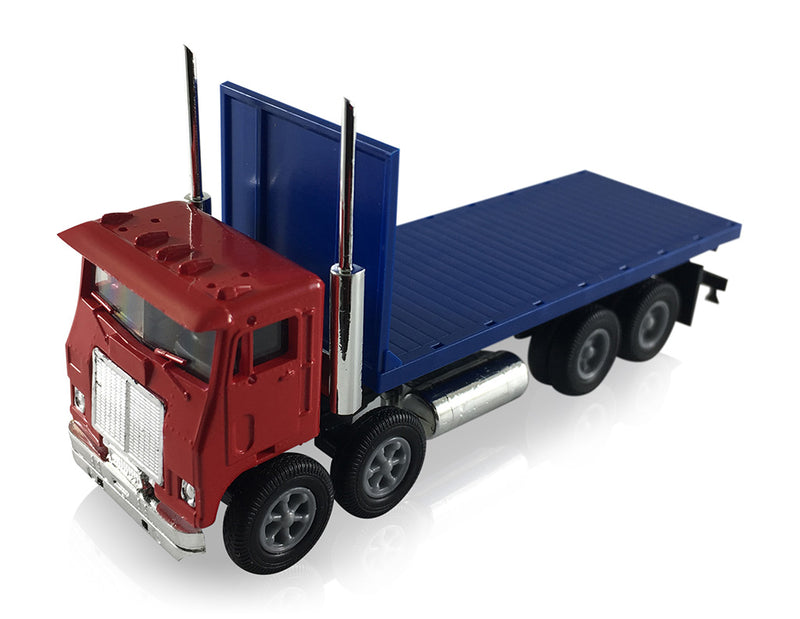 White Motor Co. Road Commander Twin Steer Flat Bed Truck 1/87 Scale (HO) Model by Promotex