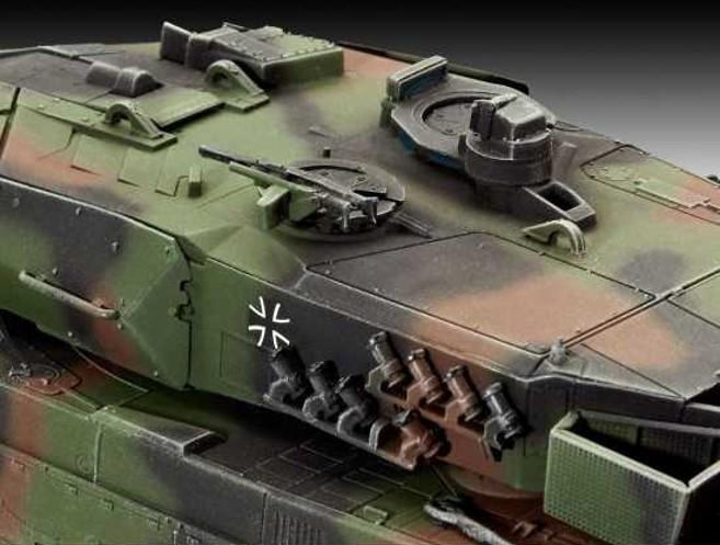 Leopard 2A5 Main Battle Tank 1/72 Scale Model Kit By Revell Germany Turret Detail