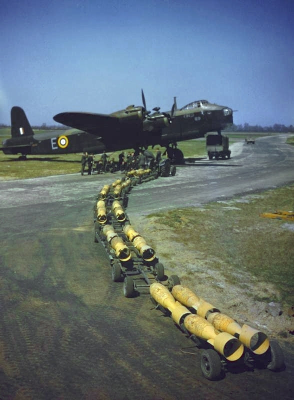 Short Stirling of 26 Conversion Flight (CF) Squadron c.1941 operating out of RAF Waterbeach