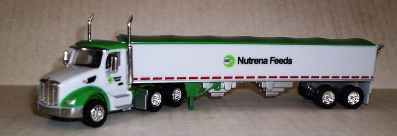 Peterbilt 579 Day Cab With Grain Trailer 1:87 Scale Model By Trucks N Stuff