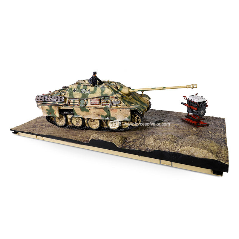Sd.Kfz. 173 Jagdpanther Ausf. G1 German Tank Destroyer 1944, 1/32 Scale Model By Forces Of Valor