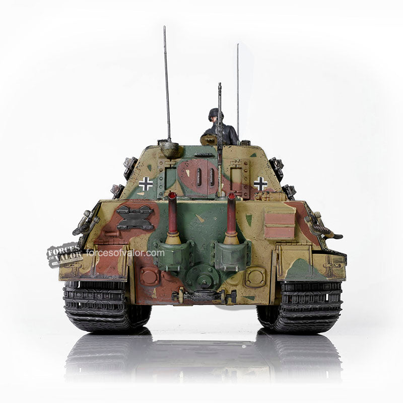 Sd.Kfz. 186 Jagdtiger German Heavy Tank Destroyer 1945, 1/32 Scale Model By Forces Of Valor Rear View