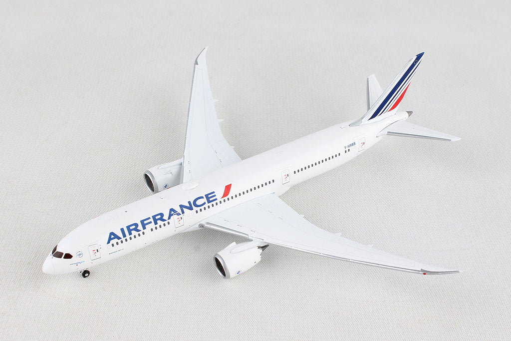 Boeing 787-9 Air France (F-HRBB) 1:400 Scale Model By Gemini Jets Left Front View