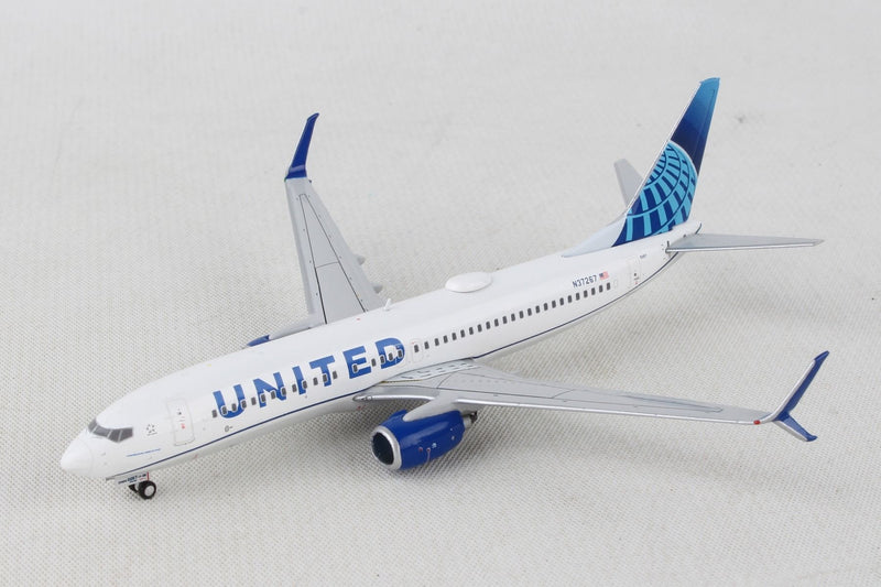 Boeing 737-800 United Airlines (New Livery) 1:400 Scale Model By Gemini Jets Left Front View