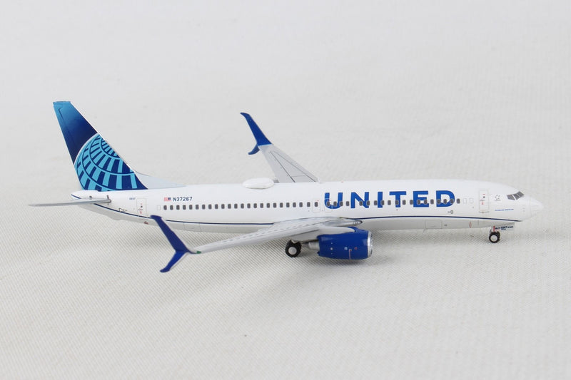 Boeing 737-800 United Airlines (New Livery) 1:400 Scale Model By Gemini Jets Right Side View