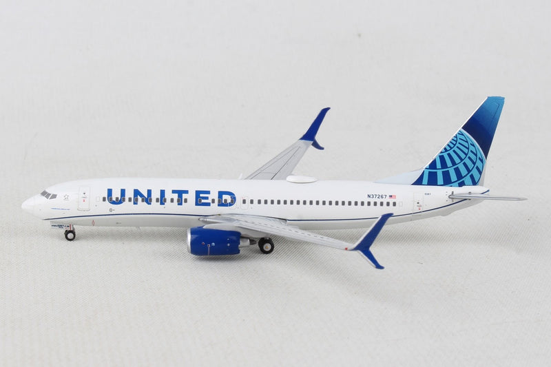 Boeing 737-800 United Airlines (New Livery) 1:400 Scale Model By Gemini Jets Left Side View