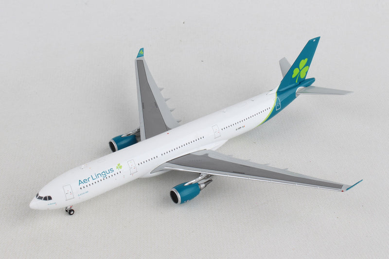 Airbus A330-300 Aer Lingus Airlines (EI-EDY) 1:400 Scale Model Left Front Quarter View