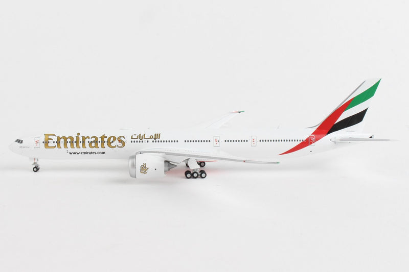 Boeing 777-9 Emirates 1:400 Scale Model By Gemini Jets Left Side View
