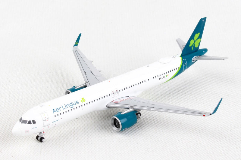 Airbus A321neo Aer Lingus Airlines (EI-LRA) 1:400 Scale Model Left Front Quarter View