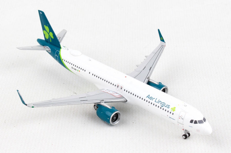 Airbus A321neo Aer Lingus Airlines (EI-LRA) 1:400 Scale Model Right Front Quarter View