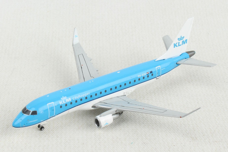 Embraer ERJ-175 KLM Royal Dutch Airlines (PH-EXU) 1:400 Scale Model Left Front View