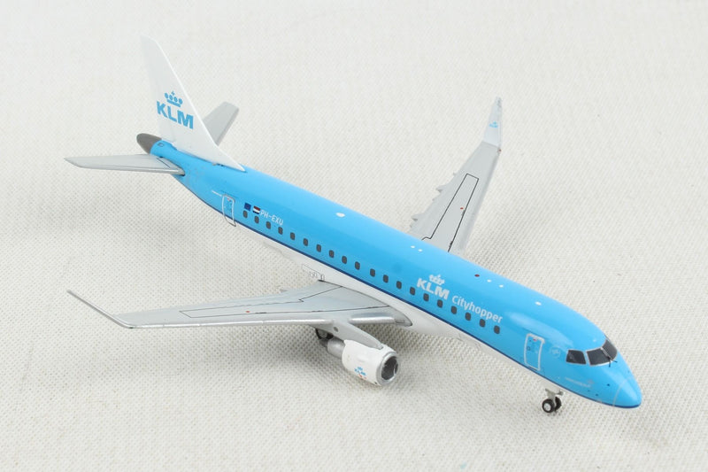 Embraer ERJ-175 KLM Royal Dutch Airlines (PH-EXU) 1:400 Scale Model Right Front View