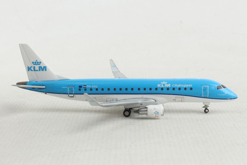 Embraer ERJ-175 KLM Royal Dutch Airlines (PH-EXU) 1:400 Scale Model Right Side View