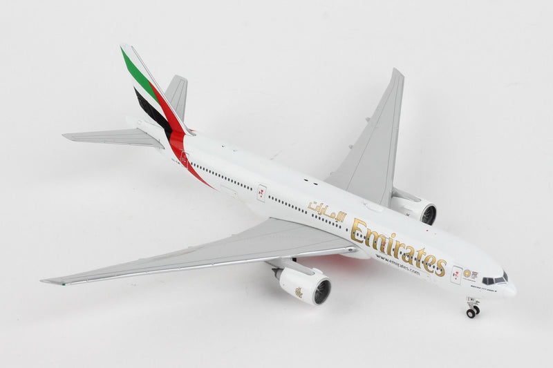 Boeing 777-200LR  Emirates (Expo 2020 Livery) 1:400 Scale Model Right Front View