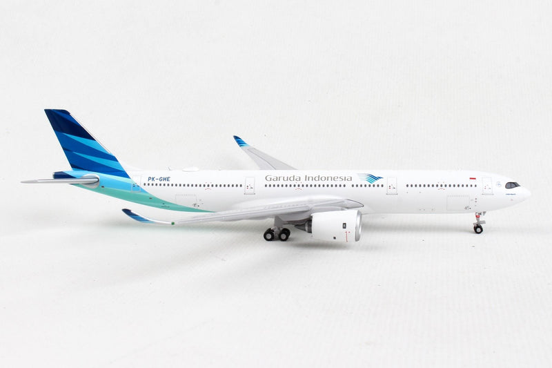 Airbus A330-900NEO Garuda Indonesia (PK-GHE) 1:400 Scale Model Right Side View