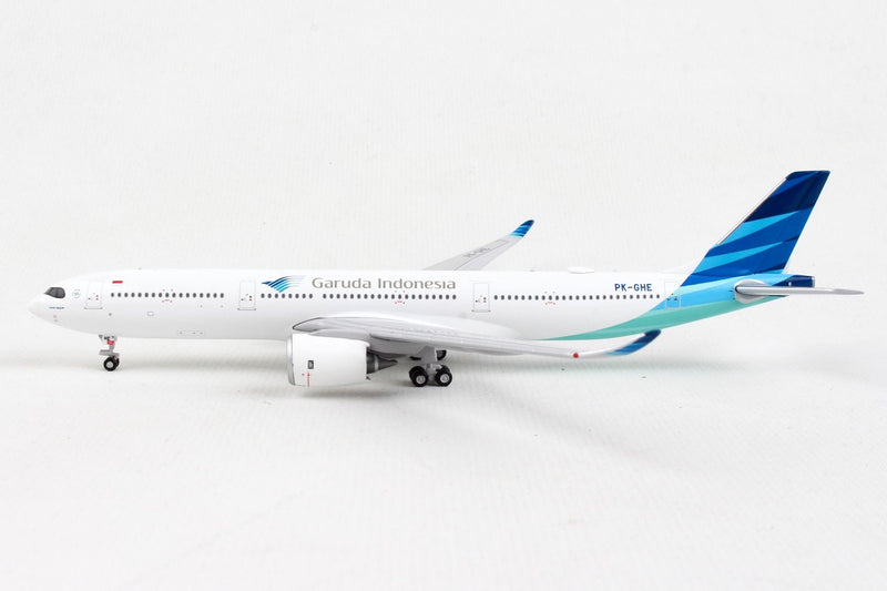 Airbus A330-900NEO Garuda Indonesia (PK-GHE) 1:400 Scale Model Left Side View