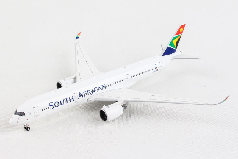 Airbus A350-900 South African Airways (ZS-SDC) 1:400 Scale Model Front Left Quarter View