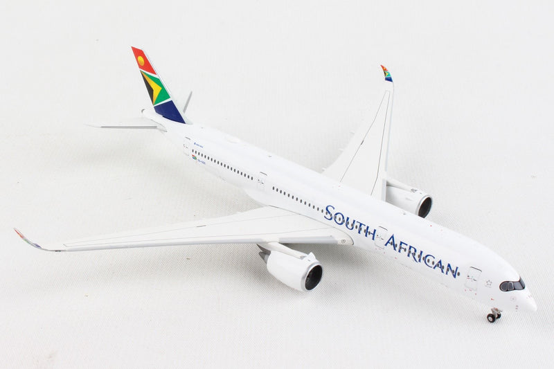 Airbus A350-900 South African Airways (ZS-SDC) 1:400 Scale Model Front Right Quarter View