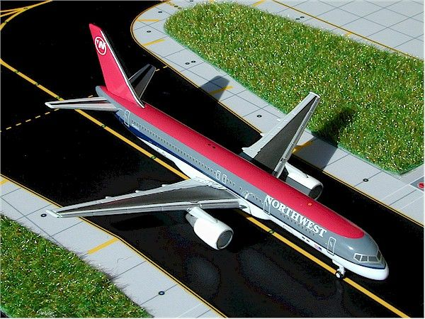 Boeing 757-200 Northwest Airlines (N548US) 1:400 Scale Model By Gemini Jets