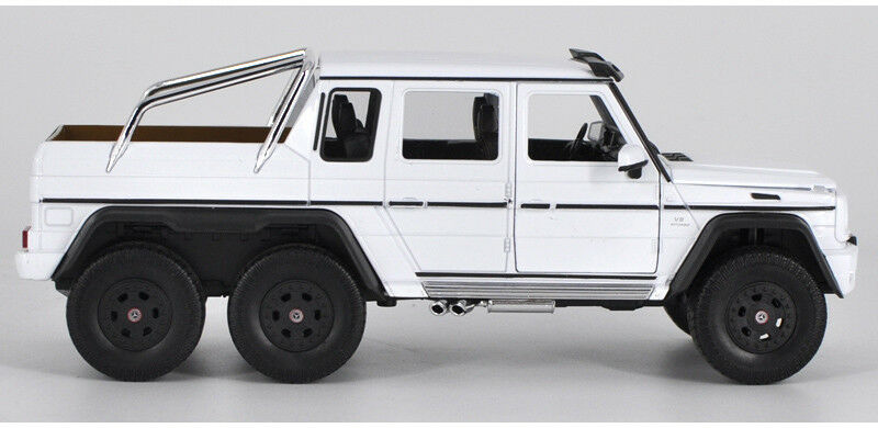 Mercedes-Benz G-Class G63 AMG 6 X 6 (White) 1:24 Scale Diecast Model Car By Welly Right Side View