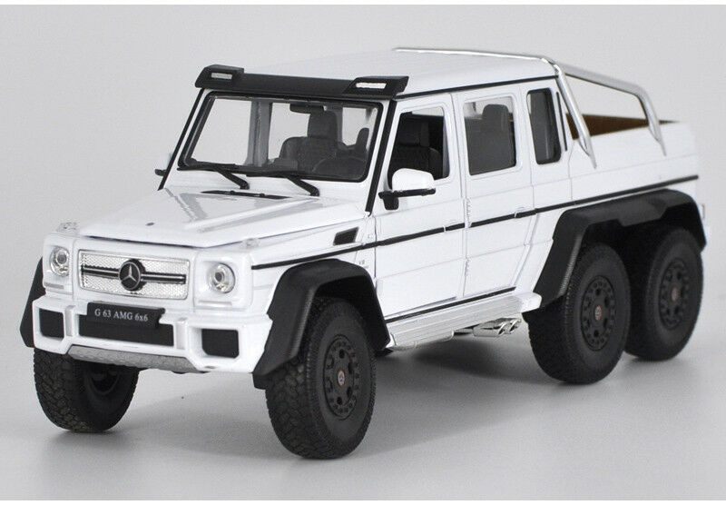 Mercedes-Benz G-Class G63 AMG 6 X 6 (White) 1:24 Scale Diecast Model Car By Welly Left Front View