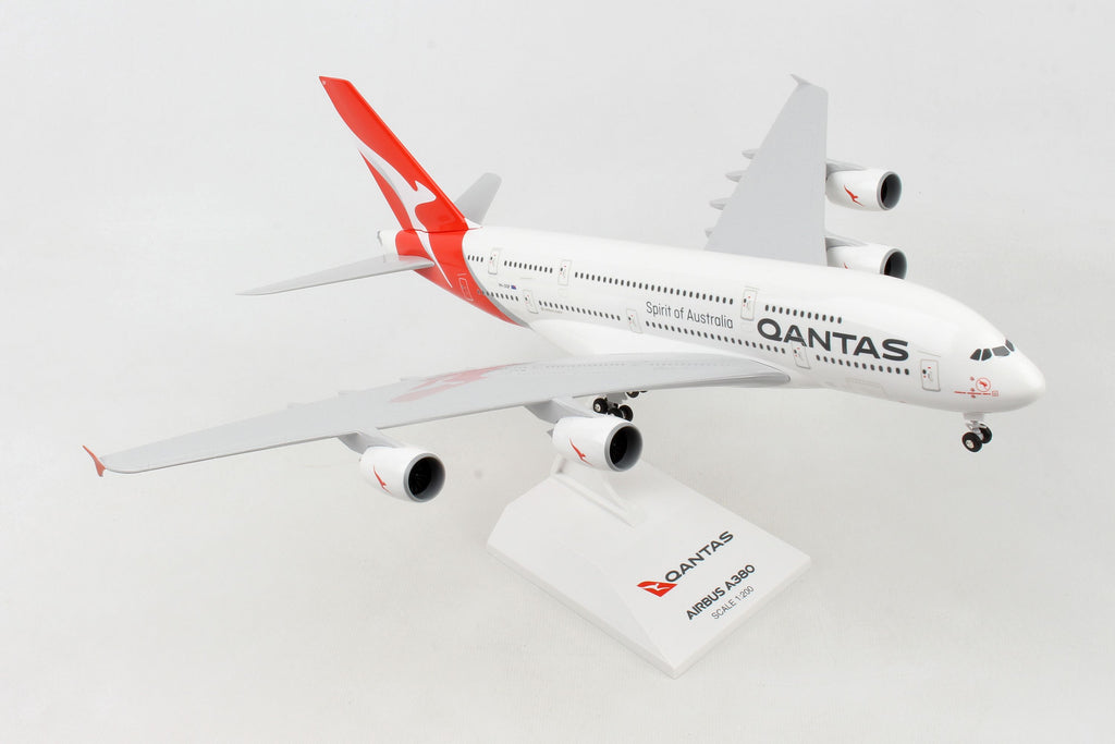 Airbus A380 Qantas 1:200 Scale Model By Daron
