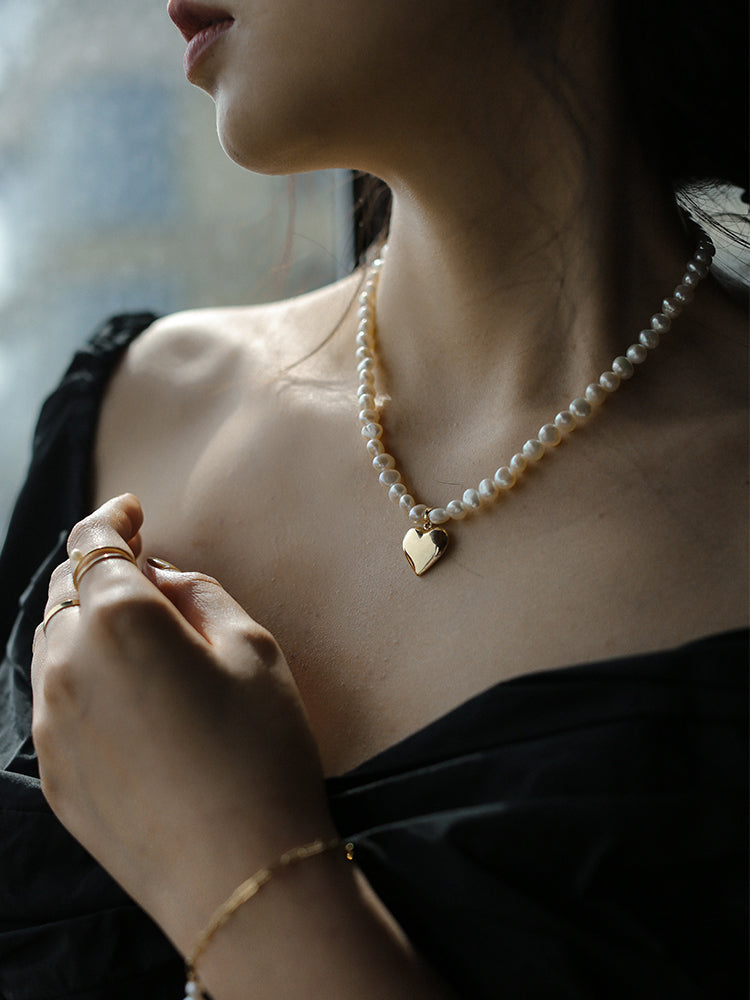 Girlfriend Pearl Necklace