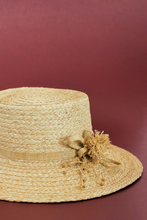 Load image into Gallery viewer, Gardenia Hat, Eco-luxury, Raffia artisanal hat, Leinné Gourmandises