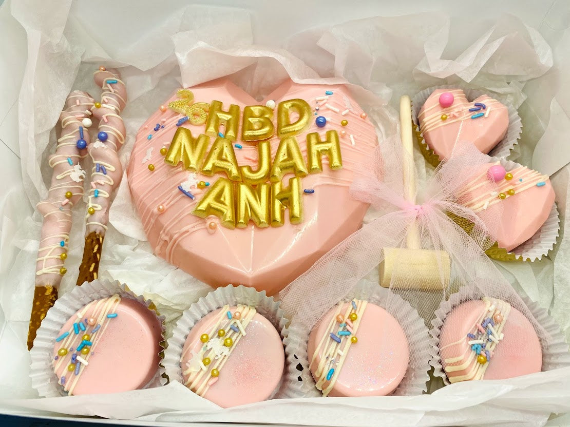 THE 'NAJAH'-Breakable Heart BOX-w/ Pretzel, Oreo, Cocoa bombs