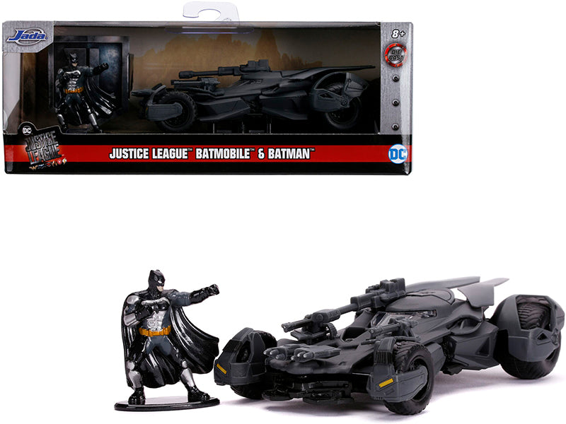"2017 Batmobile with Diecast Batman Figurine \Justice League"" (2017) Movie \""DC Comics\"" \""Hollywood Rides\"" Series 1/32 Diecast Model Car by Jada"""