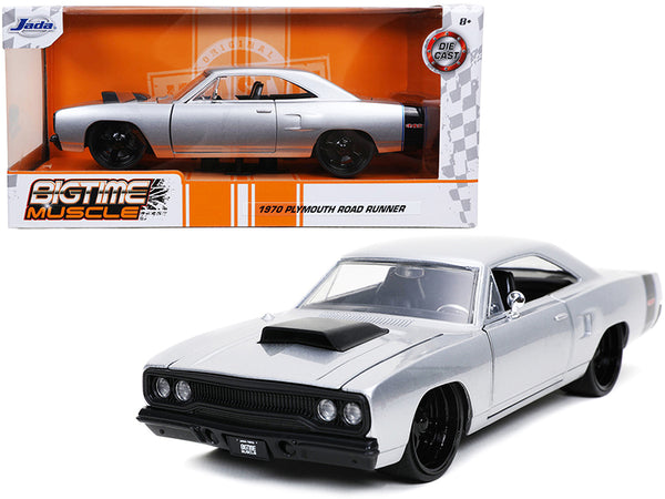 "1970 Plymouth RoadRunner 440 Silver Metallic with Black Stripes \Bigtime Muscle"" 1/24 Diecast Model Car by Jada"""