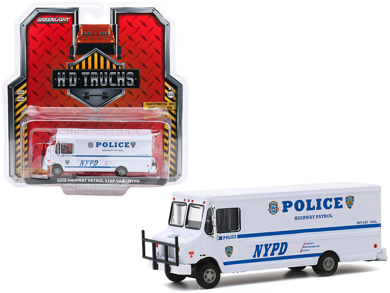 "2019 Highway Patrol Step Van \New York City Police Dept"" (NYPD) White \""H.D. Trucks\"" Series 18 1/64 Diecast Model by Greenlight"""