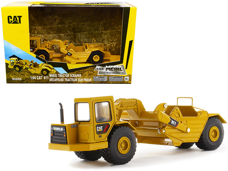 "CAT Caterpillar 611 Wheel Tractor Scraper \Play & Collect!"" Series 1/64 Diecast Model by Diecast Masters"""