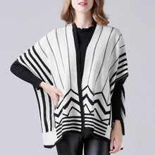 Load image into Gallery viewer, V-Neck Five-Point Sleeve Knit Coat