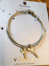 Load image into Gallery viewer, Mother & Daughter Key Bracelet - Olive Vines Boutique