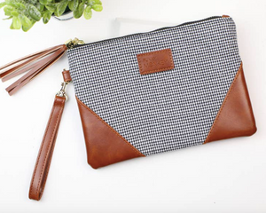 Corner Detail Wristlet- Houndstooth - Olive Vines Boutique