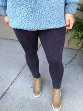 Load image into Gallery viewer, Vintage Lined Leggings ~ Black & Jade Green - Olive Vines Boutique
