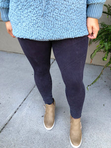 Vintage Lined Leggings ~ Black & Jade Green - Olive Vines Boutique