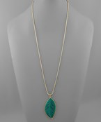Load image into Gallery viewer, Thread Leaf Pendant Necklace - Olive Vines Boutique