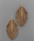 Load image into Gallery viewer, Bar & Leather Feather Earrings - Olive Vines Boutique