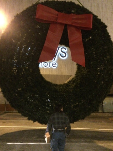 Lee Display built the Macy's Union Square storefront Christmas Wreath.